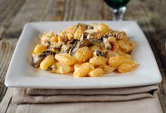Gnocchi melazane e robiola primo piatto facile vickyart arte in cucina Gnocchi, Bon Appetit, Risotto, Macaroni And Cheese, Vegetables, Ethnic Recipes, Cooking, Food, Art