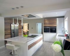 Huge kitchen, nice layout, don't like the colour combination