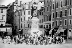 Campo de' Fiori (1895) | Roma Ieri Oggi Best Cities In Europe, 20 Min, Street View, Statue, Places, Rome, Sculptures, Lugares, Sculpture