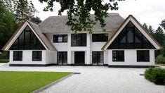 Dream House Exterior, Dream House Plans, Style At Home, Building Design, Building A House, Different House Styles, Dutch House, Thatched House, Mansions Homes