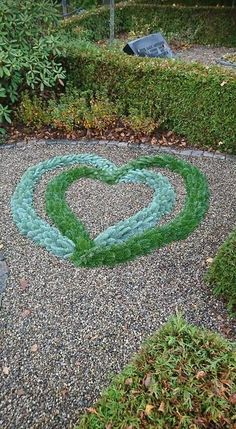 Great Pic natural Funeral Flowers Tips Whether or not you are planning or joining, memorials are usually some sort of sad and occasionally demanding . Heart In Nature, Great Pic, Funeral Flowers, Advantages Of Watermelon, Felt Hearts, Yard Landscaping, Love Heart, Flower Decorations, Houseplants