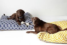 Pretty dog beds :}}} More at http://www.squidoo.com/dog-beds-that-look-like-furniture