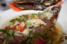 Dónde comer y dormir en Manaos | eHow en Español