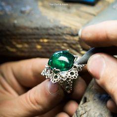 """Craftsmanship of Van Cleef & Arpels Amour Amour ring, """"Peau d'Âne raconté par Van Cleef & Arpels"""" collection"""