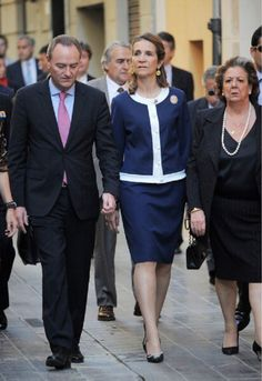 (L-R) Alberto Fabra, Infanta Elena of Spain and Rita Barbera attend Cavalry Royal Armory on 10 May 2013 in Valencia, Spain