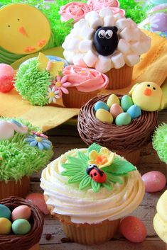 Easter cupcakes and Easter eggs. Also available in horizontal , cupcakes display Easter Cupcakes And Easter Eggs Stock Photo - Image of chick, plate: 38477566 Easter Bunny Cupcakes, Easter Treats, Lamb Cupcakes, Lemon Cream Cheese Icing, Desserts Ostern, Hummingbird Cake, Easter Recipes, Yummy Cakes, Easter Eggs