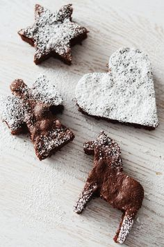 Cut out brownies with Christmas cutters- going to try this Christmas Brownies, Christmas Sweets, Noel Christmas, Christmas Goodies, Christmas Baking, Winter Christmas, Christmas And New Year, Xmas, Winter Holidays