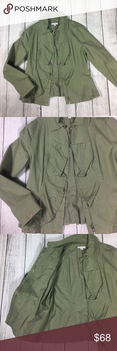"""Stunning green dress coat 💚 Absolutely beautiful green coat. Brand new and never used. It is super stylish and very soft and comfortable. It keeps you very warm. Made out of 97% cotton and 3% spandex materials. Measures 16"""" shoulder to shoulder laying flat on floor New York & Company Jackets & Coats"""