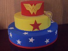 Bolo cenográfico feito em eva, super leve, acabamento perfeito!!!  Fazemos na cor que for preciso....  Super prático !!! Wonder Woman Birthday, Wonder Woman Party, Cupcakes, Cupcake Cakes, 1st Birthday Themes, Birthday Cake, Bolo Fack, Fake Cake, Cute Cat Gif