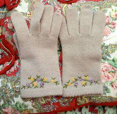 Vintage Girls Gloves by lishyloo on Etsy, $6.00