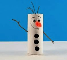 Cardboard Tube Olaf Craft from Frozen Its Olaf the lovable little snowman from the movie Frozen! Make one from a cardboard tube and a few simple supplies. The post Cardboard Tube Olaf Craft from Frozen was featured on Fun Family Crafts. Kids Crafts, Winter Crafts For Kids, Family Crafts, Diy For Kids, Movie Crafts, Christmas Toilet Paper, Kids Christmas Ornaments, Christmas Crafts For Kids, Ornaments Ideas