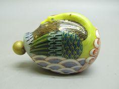 Porcelain 'Swan' Snuff Bottle