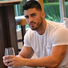 Hot guys pictures every day! Only the most attractive men, cute boys and fit jocks. You're all invited for some much needed daily male eye-candy. Hot Mexican Men, Mexican Guys, Hispanic Men, Spanish Men, Latin Men, Fitness Models, Hommes Sexy, Fine Men, Fine Boys