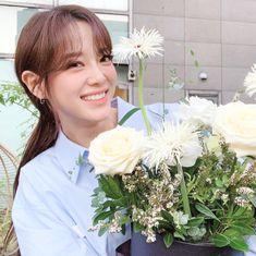 Choi Yoojung, Kim Sejeong, The Love Club, Jellyfish Entertainment, The Uncanny, Ioi, Korean Singer, Photo And Video, Pretty
