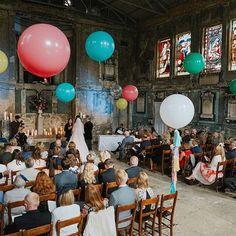 @weheartpictures #weddingballoons #bonbonballoons 💕