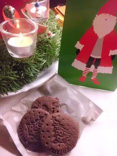 Auch italienische Bloggs sind vertreten - freut mich wirklich sehr!! Geschenk 1. Advent * Verena von The Muffin Factory an Jutta von Lorbeerkrone * weihnachtliche Stempelkekse