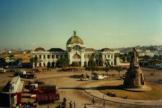 * Estação do Caminho de Ferro *  1988. Maputo, Moçambique.