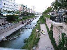 A freeway was dismantled to create the Cheonggyecheon, an 8.4 km long modern public recreation space in downtown Seoul, South Korea. Click image for the full story via Grist, and visit the slowottawa.ca boards >> http://www.pinterest.com/slowottawa/