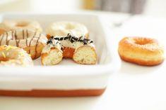 Luchtige Donuts | Kookmutsjes Mini Donuts, Doughnuts, Donut Maker, Beignets, Sushi, Panna Cotta, Cereal, Muffin, Brunch