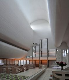 The light is magnificent [ Bagsværd Church / Jørn Utzon ]