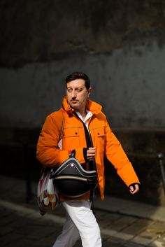 Milan, Paolo Gonzato. The #PEUTEREYXVESPA capsule collection goes #streetstyle with photographer Nabile Quenun from Jaieperdumaveste.