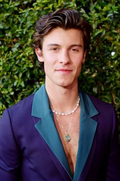 Honestly, Shawn Mendes was too fine not to include in this roundup. I mean, his hair is also very nice! Lady Gaga, Camila Cabello Hair, American Music Awards 2019, Beyonce, Selena Gomez, Taylor Swift, Girl Drama, Netflix, Foto Gif