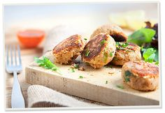 Our tantalizing Salmon Fish Cakes make Sophisticated main course for a meal with friends, with quick cooking or preparation time. Vegetarian Pate, Salmon Fish Cakes, Fishcakes, Dinner Party Recipes, Summer Dishes, Recipe Using, Salmon Burgers, How To Make Cake, Summer Recipes