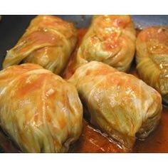 Beef and Rice Stuffed Cabbage Rolls Stuffed Cabbage Rolls Easily can be made vegan! Girls at Whitby dental centre LOVE cabbage rolls!Stuffed Cabbage Rolls Easily can be made vegan! Girls at Whitby dental centre LOVE cabbage rolls! Crock Pot Recipes, Beef Recipes, Cooking Recipes, Healthy Recipes, Pastry Recipes, Recipies, Think Food, I Love Food, Good Food