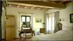szép hálószobák (Lakberendezés 10) Cottage Homes, Oversized Mirror, Sweet Home, Country, Furniture, Home Decor, Homemade Home Decor, Decoration Home, House Beautiful