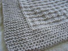 Un petit plaid tout doux pour Bébé-Loup - Knitting And Crocheting Plaid Crochet, Crochet Home, Crochet Gifts, Easy Crochet, Knit Crochet, Tricot Baby, Knitting Patterns, Crochet Patterns, Knitting Ideas