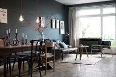 Ordinary Amenagement Entree Maison Interieur - Un salon gris anthracite au look scandinave. Scandinavian Interior, Home Interior, Interior Styling, Interior Architecture, Interior Design, Scandinavian Style, Modern Interior, Dark Walls, Grey Walls