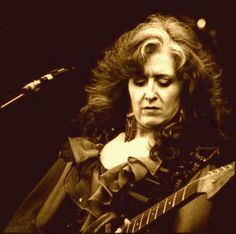 Bonnie Raitt - attended a joint concert featuring Bonnie, Sheryl Crowe, and Keb Mo in Jacksonville a few years ago. Description from pinterest.com. I searched for this on bing.com/images