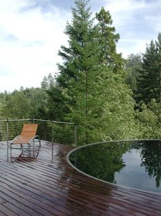 Stock Tank Pool Ideas For Your Incredible Summer [MUST-LOOK] - Get your stock tank pool DIY ideas right here! Find from galvanized, plastic, poly or metal stock tank pool inspirations. Pool Spa, Diy Swimming Pool, Diy Pool, Pallet Pool, Stock Tank Pool, Diy Tank, Lund, Plunge Pool, Pool Floats
