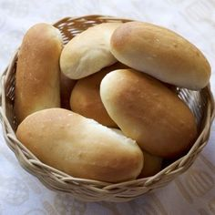 Leipojat.fi / Vehnäsämpylät Hot Dog Buns, Hot Dogs, Hamburger, Savu, Bread, Baking, Tuli, Food, Breads