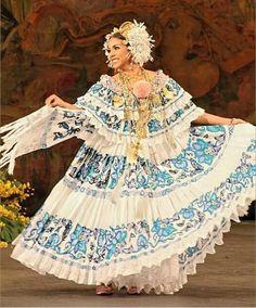 Hermosa la pollera panameña. En tono turquesa y con su reboso. Flor Fossatti. | Polleras panameñas | Pinterest
