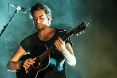 Dotan, a dutch singer-songwriter. And best part, I love his music too! Ben Folds, Dance With You, Of Mice And Men, Sounds Great, Famous Singers, Man Alive, No One Loves Me, I Fall In Love, Cool Bands