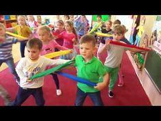 muzyczne zabawy z szarfami i woreczkami - YouTube