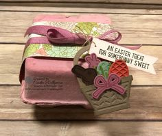 Easter treat holder by Cindee: Basket Bunch, Succulent Garden dsp, Basket Builder Framelits, Mini Egg Cartons – all from Stampin Up! Easter Projects, 3d Projects, Egg Crates, Easter Garland, Egg Carton Crafts, Mini Eggs, Scrapbooking, Easter Treats, Stamping Up