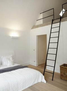 Muur vliering constructie zolder pinterest muur zolder en zolderkamer - Hoogslaper met geintegreerde garderobe ...