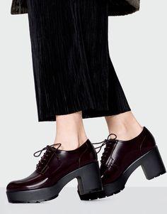 Pull&Bear - mujer - calzado - ver todo - zapato tacón acordonado - burdeos - 11450211-I2016