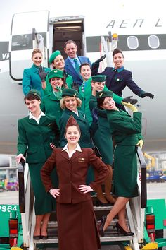 Aer Lingus crew in the carriers past and present uniforms ☘️