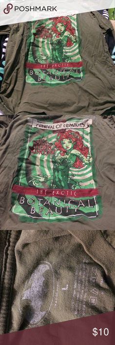 Poison Ivy - Batman shirt Green Poison Ivy T-shirt. Great condition Hot Topic Tops Tees - Short Sleeve