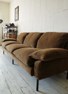 TRUCK|182. DT SOFA 3-SEATER
