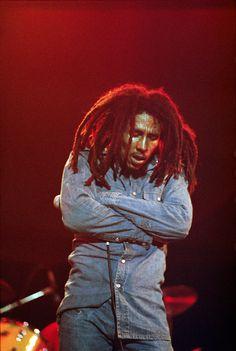 Bob Marley Lives On! Bob Marley Legend, Reggae Bob Marley, Reggae Rasta, Reggae Music, Reggae Style, Bob Marley Pictures, Marley Family, Damian Marley, Jah Rastafari