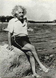Albert Einstein in high heels....why NOT!!!