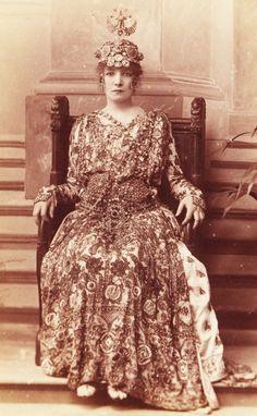 W&D Downey. Sarah Bernhardt as Empress Theodora in Sardou's 'Theodora', 1884.