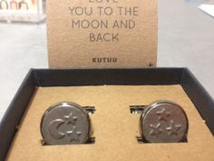 Aren't these lovely? Pewter cufflinks from Kutuu.