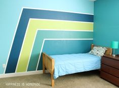 Boys Bedroom: Graphic Racing Stripes Painted Accent Wall Make a HUGE impact in your bedroom with pai Boys Bedroom Paint, Accent Wall Bedroom, Boys Bedroom Decor, Striped Accent Walls, Room Wall Painting, Racing Stripes, Decoration, Home Decor, Clean Lines