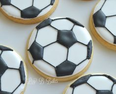 18 Soccer Ball Cookies by LizyBsbakeshop on Etsy