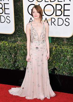 Golden Globe 2017 : les 25 images les plus glamour du tapis rouge Image: 21 Emma Stone, Golden Globe Award, Golden Globes, Valentino, Get Toned, Nice Dresses, Formal Dresses, Influential People, Red Carpet Dresses